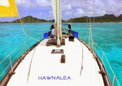 Day sailing aboard Hawnalea