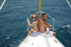 Couple on their sailing vacation with Miramar